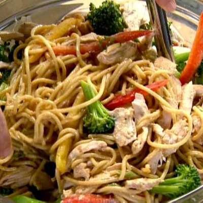 Szechuan Noodles with Chicken and Broccoli - RecipeNode.com
