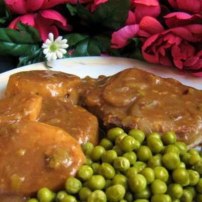 Tender Pork Chops in Gravy - RecipeNode.com