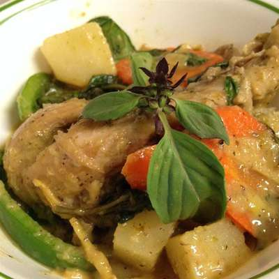 Thai Chicken Curry in Coconut Milk - RecipeNode.com