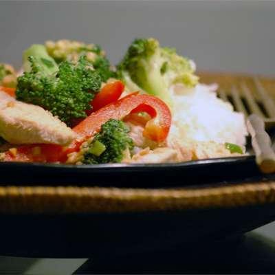 Thai Peanut Chicken - RecipeNode.com