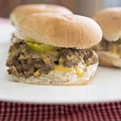 They Could Be Sliders (If Eaten With Eyes Closed) - White Castle - RecipeNode.com