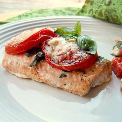 Tomato Basil Salmon - RecipeNode.com