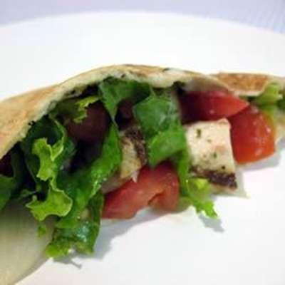 Warm Greek Pita Sandwiches With Turkey and Cucumber-Yogurt Sauce - RecipeNode.com